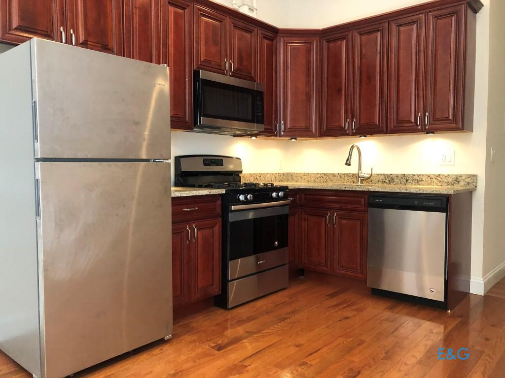 NYC Apartments: Inwood 2 Bedroom Apartment for Rent