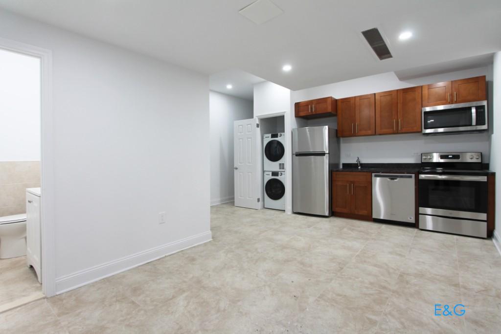3 Apartment in Inwood