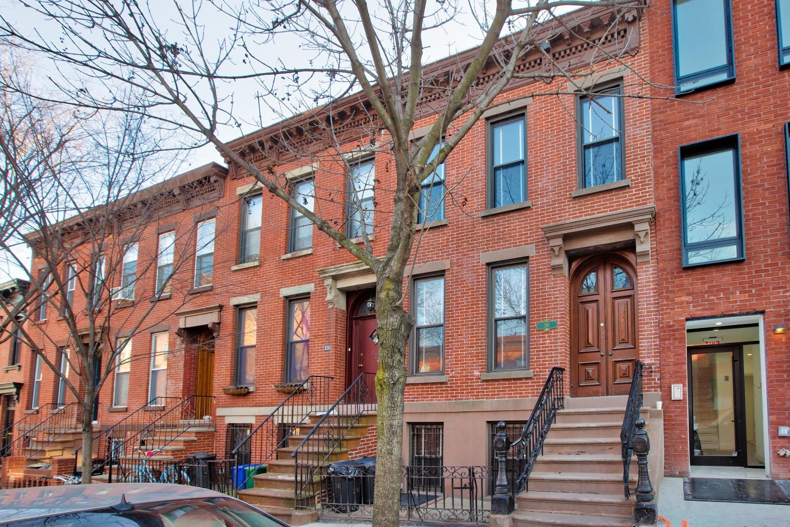 318 Carroll Street, Apt 2, Brooklyn, New York 11231