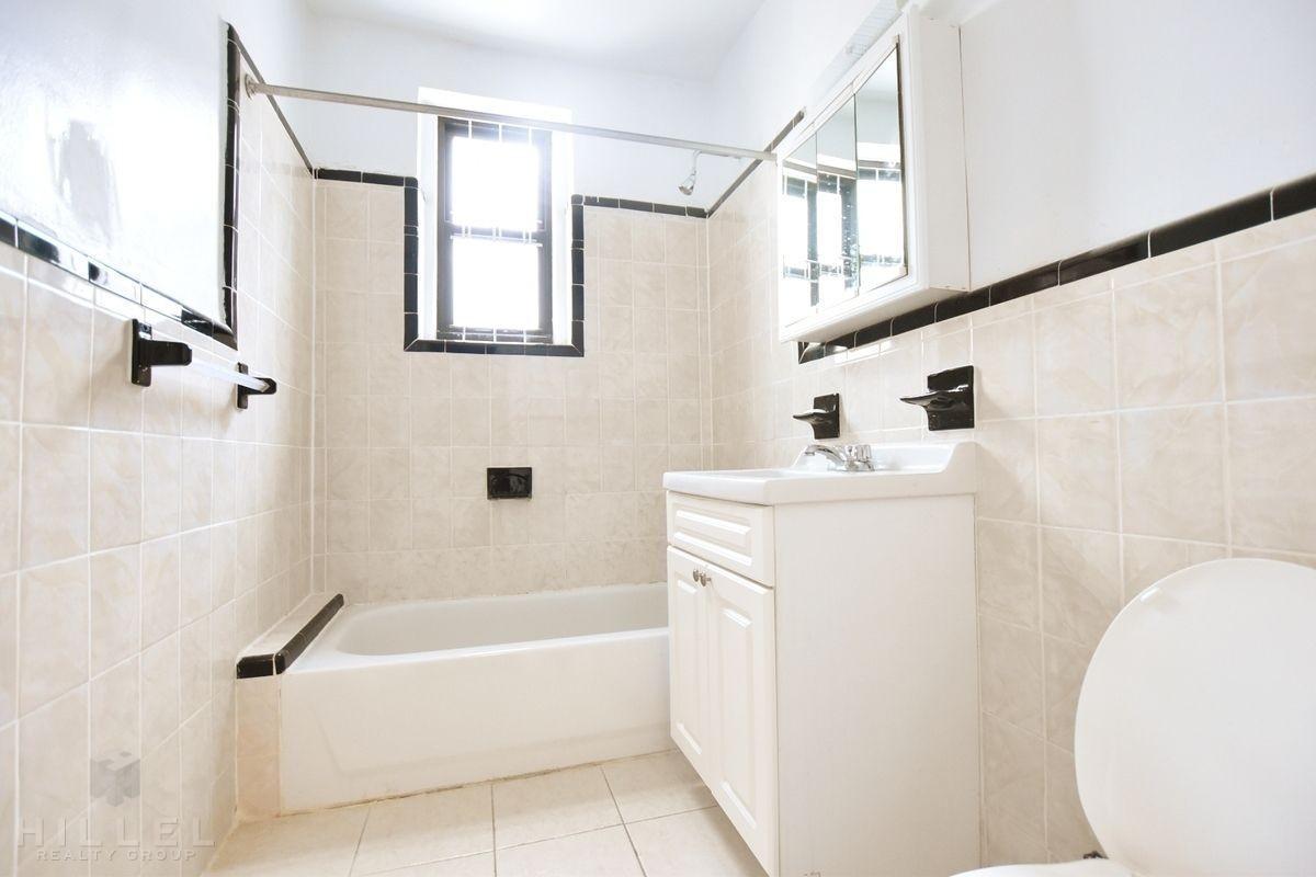 30th Rd Astoria Apartments Astoria 2 Bedroom Apartment For Rent