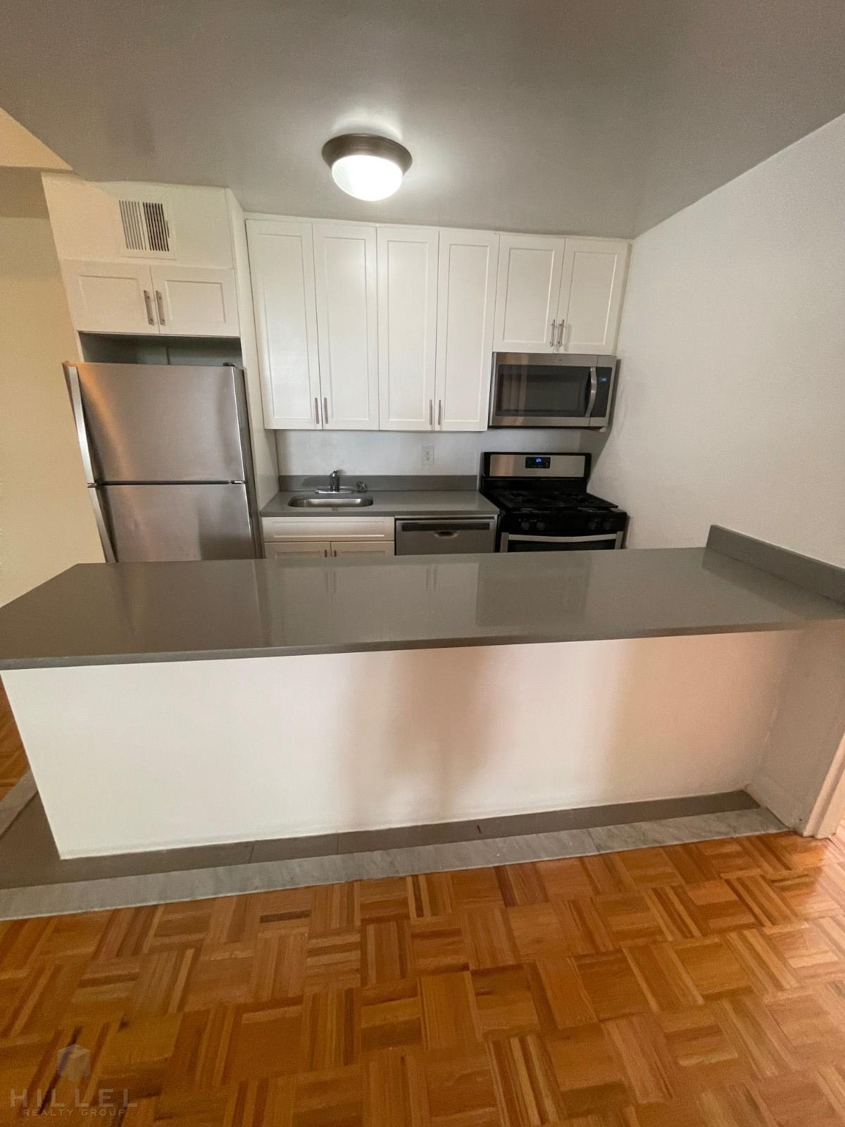 44-15 COLDEN ST., Flushing, NY - 2,650 USD/ month