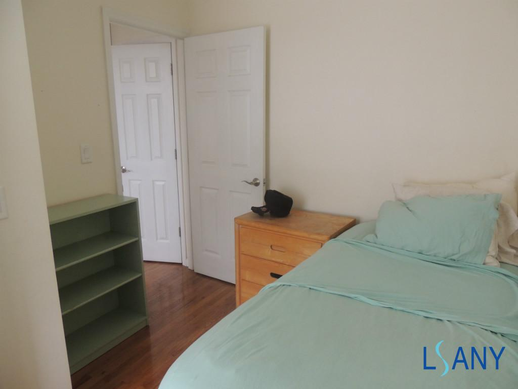 Hughes Ave Bronx Apartments Belmont Little Italy 1 Bedroom Apartment For Rent