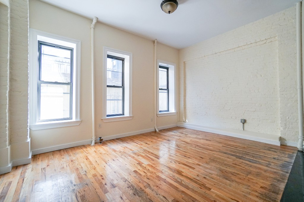 2 Apartment in Little Italy