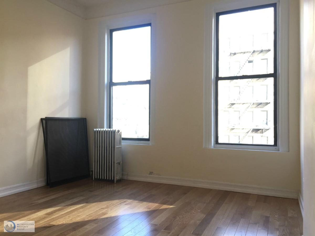 1 Townhouse in Midtown West
