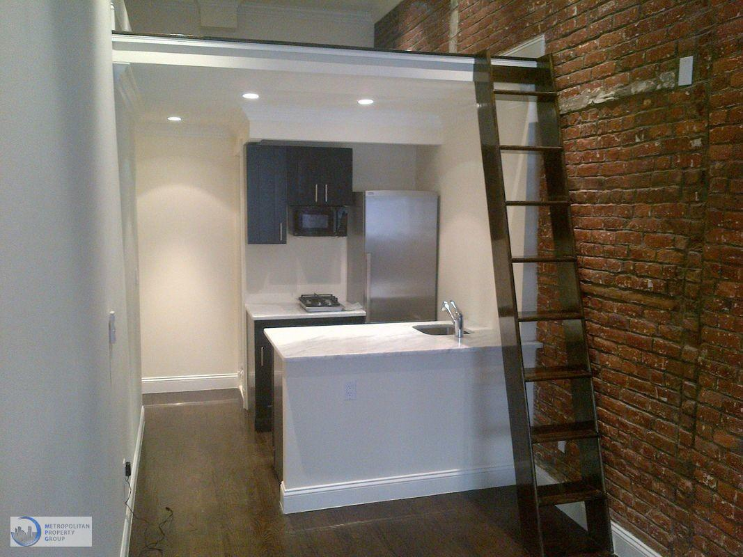 Studio Apartment in Meatpacking District