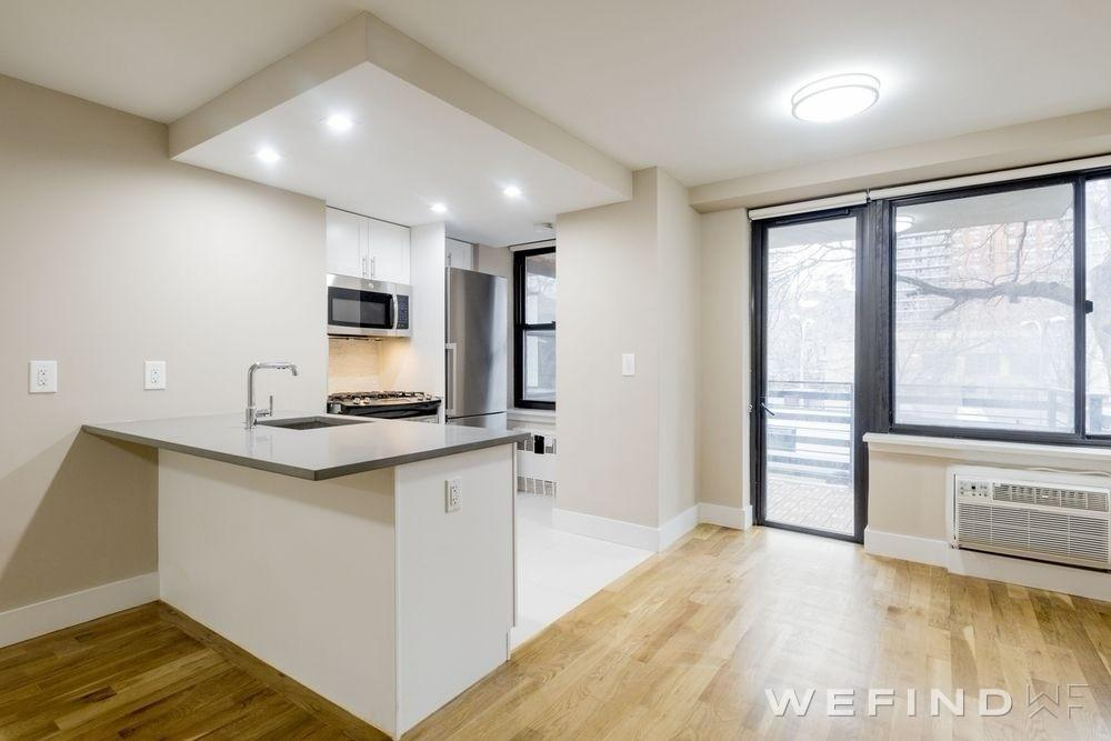 Brilliant Columbus Ave New York Apartments Upper West Side 3 Home Interior And Landscaping Mentranervesignezvosmurscom