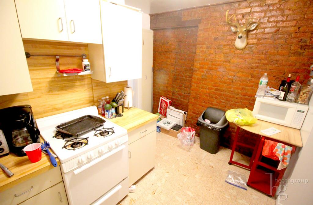 Separate kitchen -- other angle
