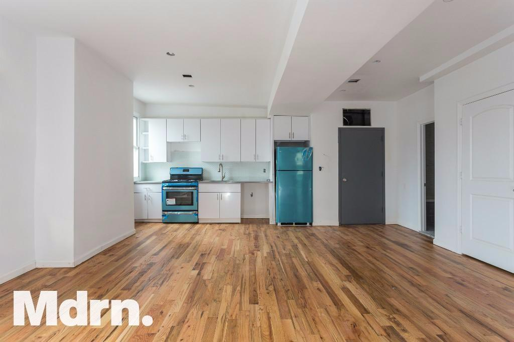 4 Beds 2 Baths Apartment For Rent at Cooper Street