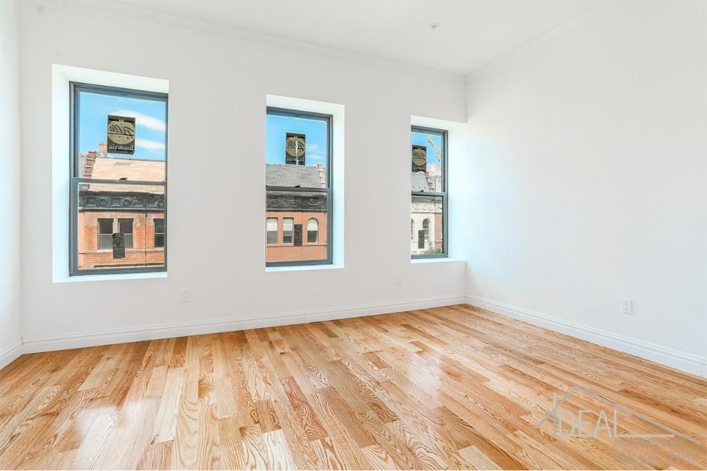 210 W 136th St HSE, New York, NY 10030