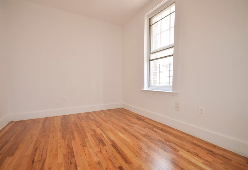 NYC Apartments: Bronx 2 Bedroom Apartment for Rent