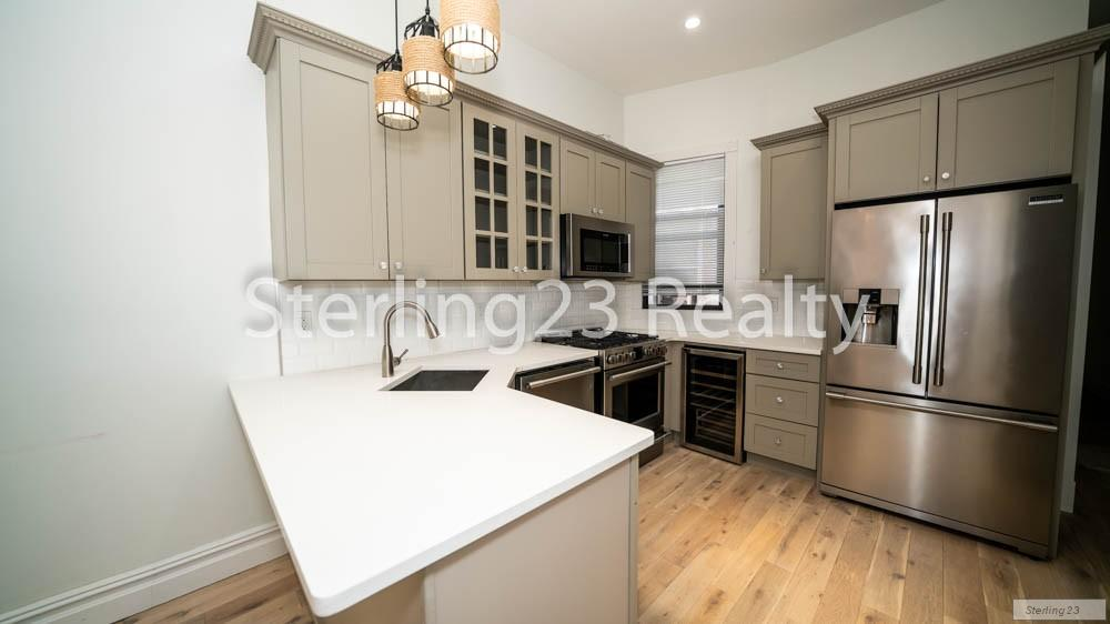 Nyc Apartments Astoria 2 Bedroom Apartment For Rent