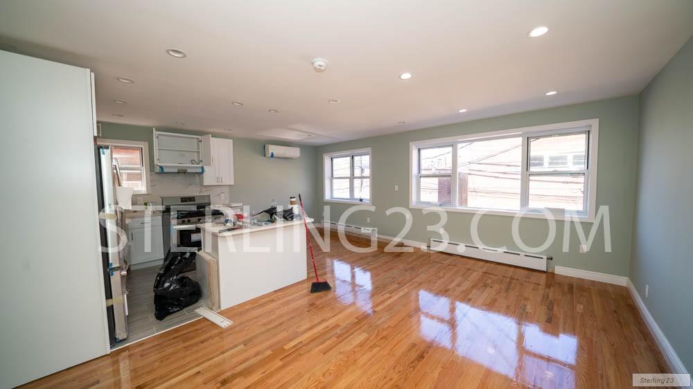 Nyc Apartments Astoria 4 Bedroom Apartment For Rent