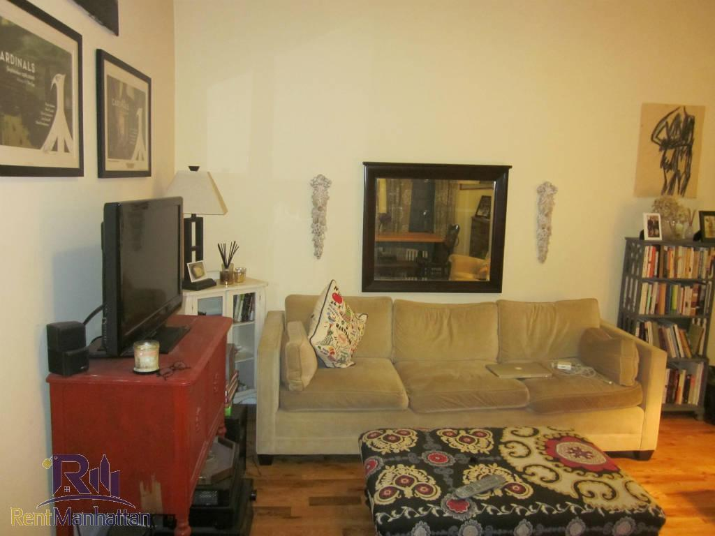 2 Bedroom Apartment in Manhattan