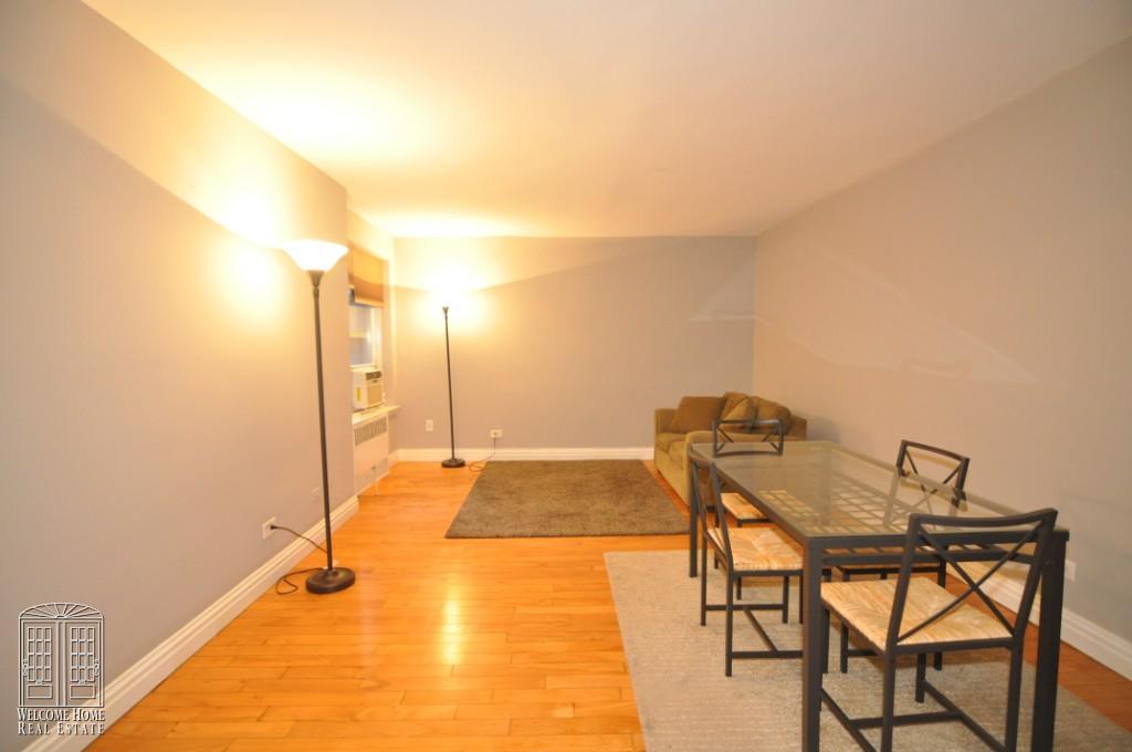 livingroom 17'8