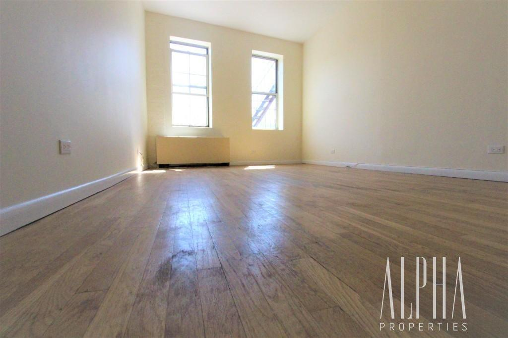 Studio Apartment in Lower East Side