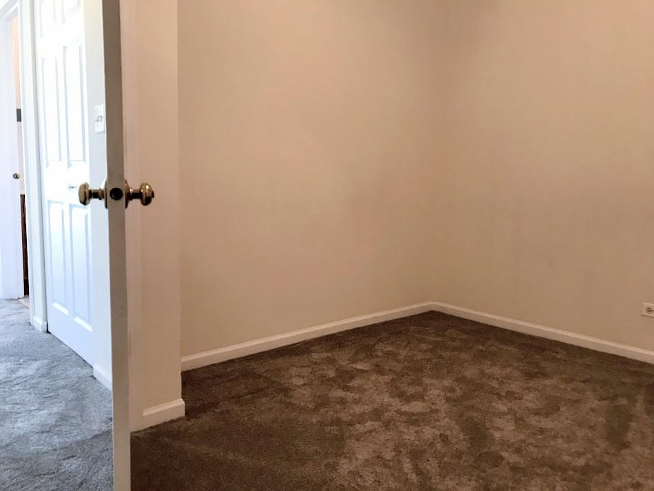 Smallest bedroom (10.5x9)
