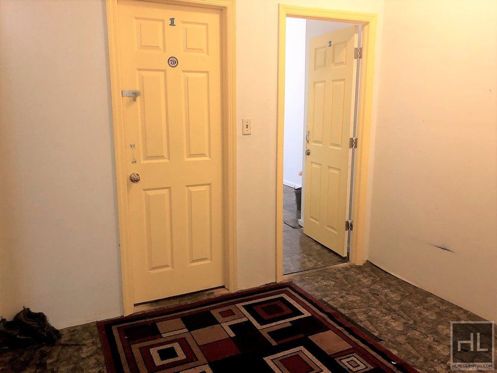 444 Halsey Street Interior Photo