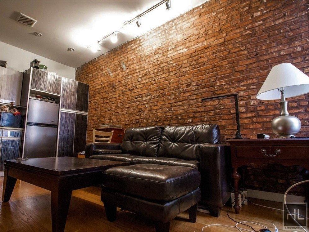662 Park Place Interior Photo