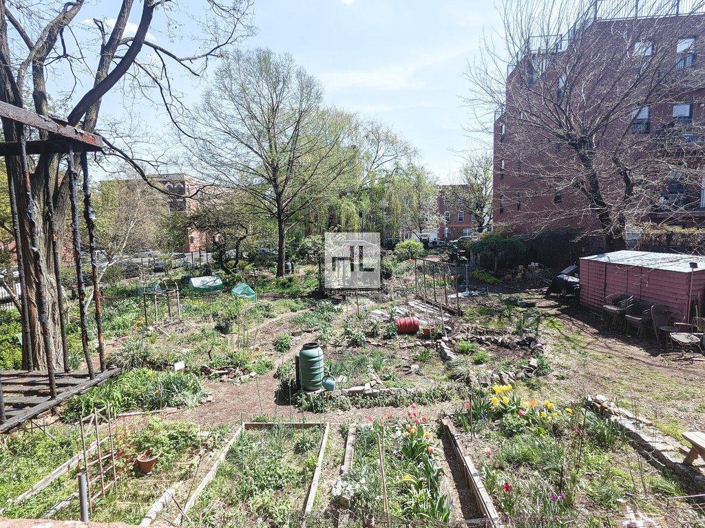 270 15 STREET, Brooklyn, NY - 2,425 USD/ month