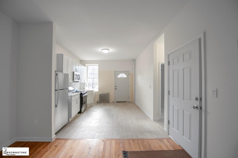 Kitchen/Living (reversed)