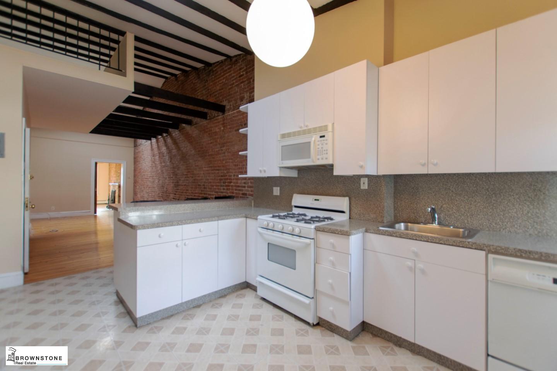 Kitchen (reversed)