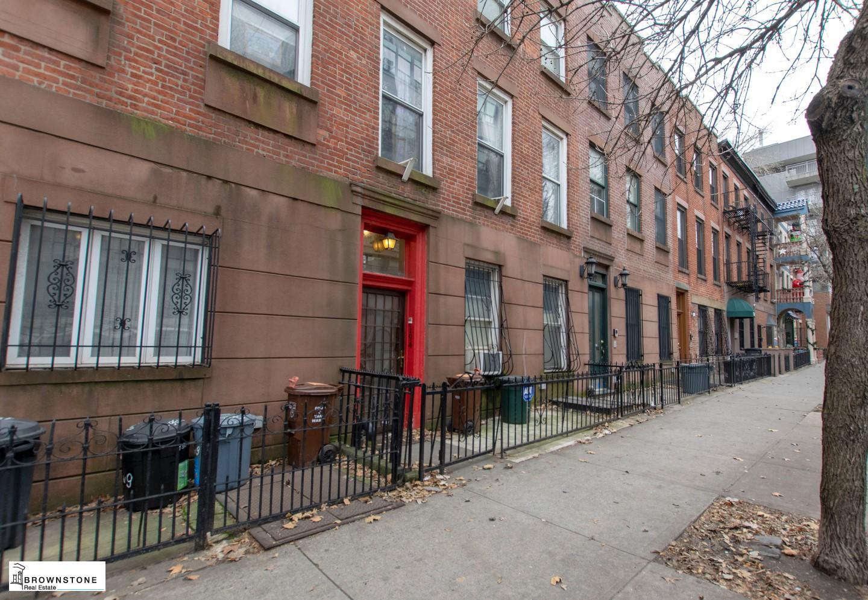 194 W 9th Street, #