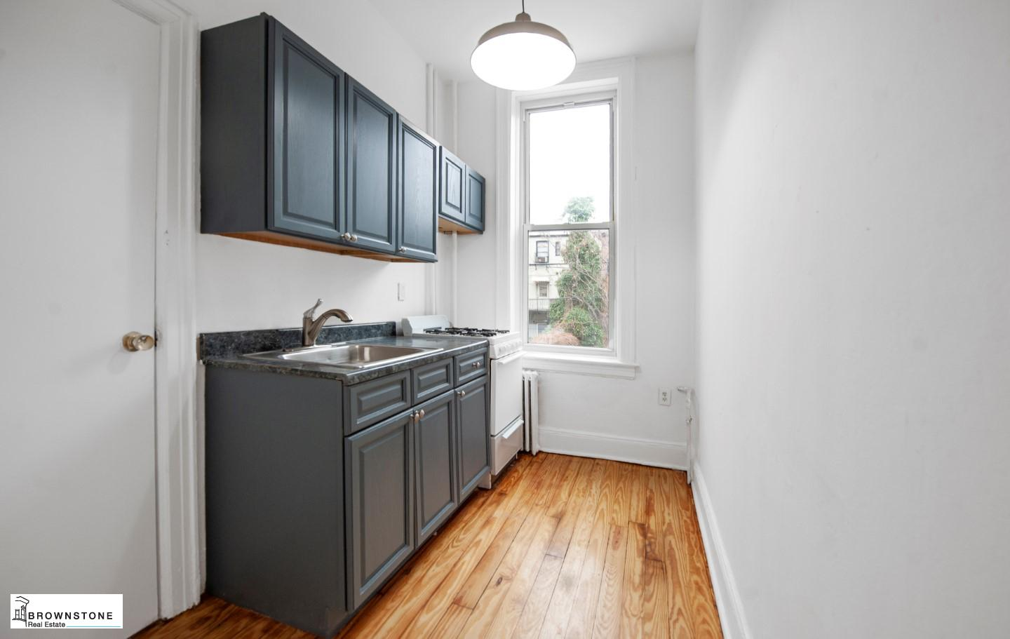 10 CHEEVER PL, #1
