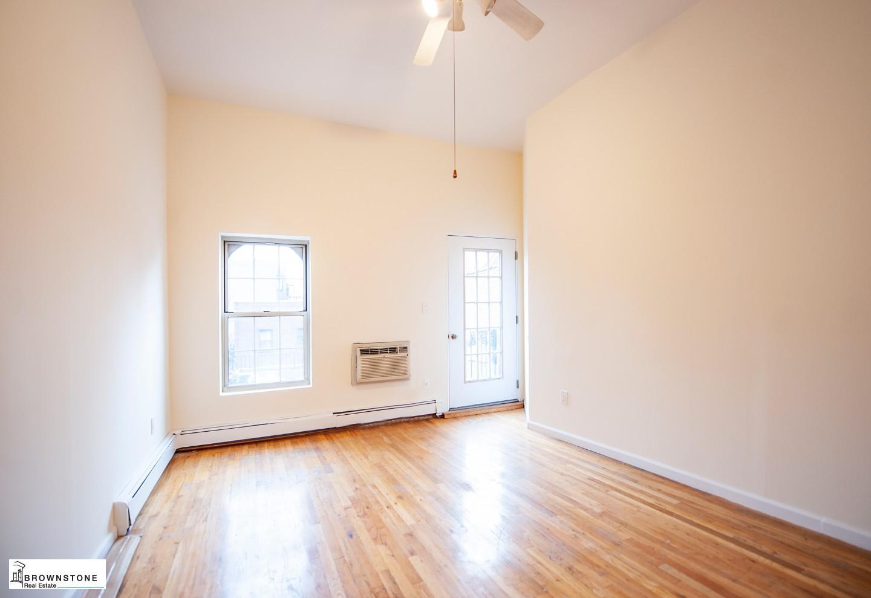 Bedroom (w/ Terrace)