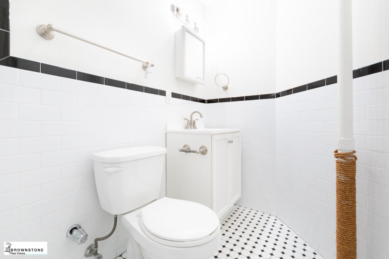 Bathroom (Right)