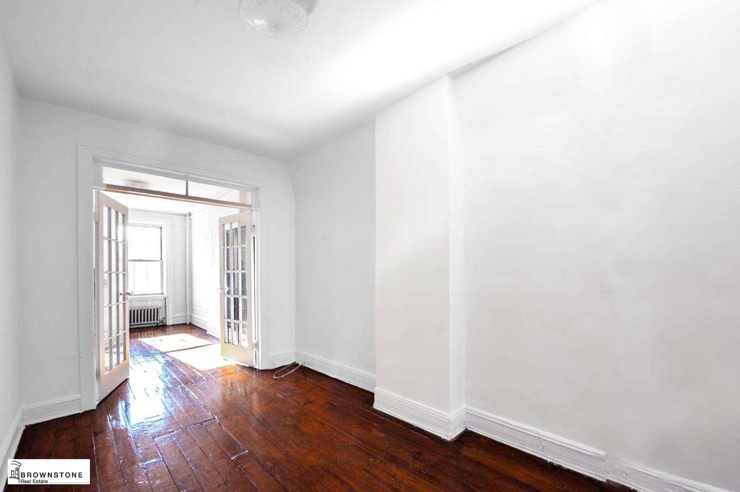 Entry Room / Middle Room