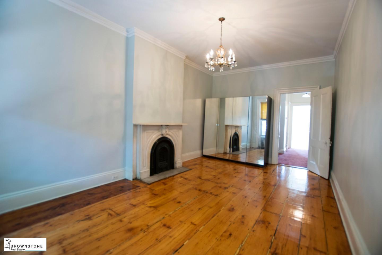 Middle floor bedroom 1