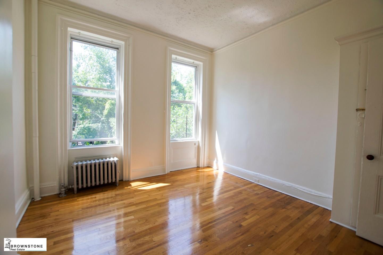 Middle floor bedroom 2