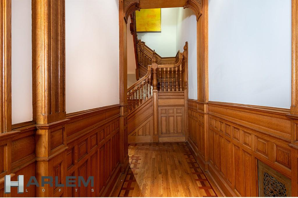 Parlor Level | Entrance Hallway