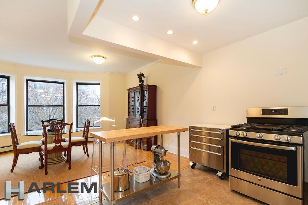 2nd Floor | Living Room & Kitchen