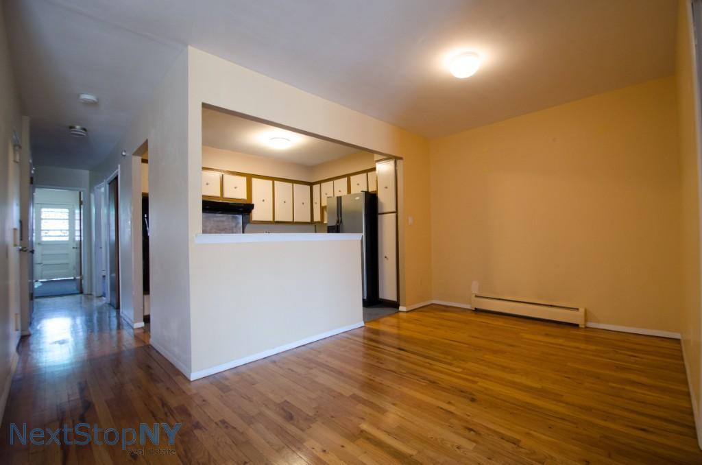 3 Apartment in Ditmars-Steinway
