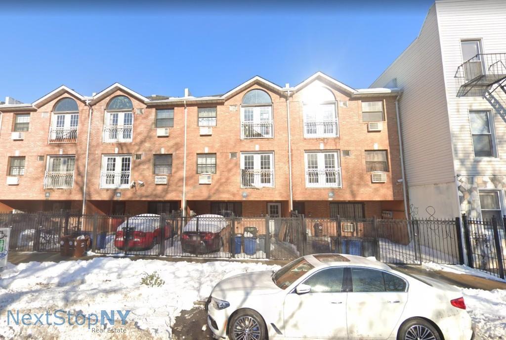 3 Apartment in Williamsburg