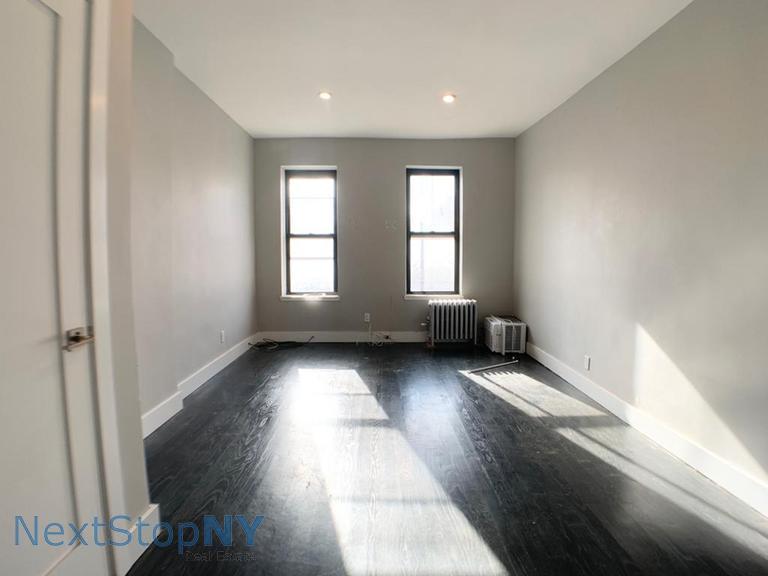 Studio Apartment in East Harlem