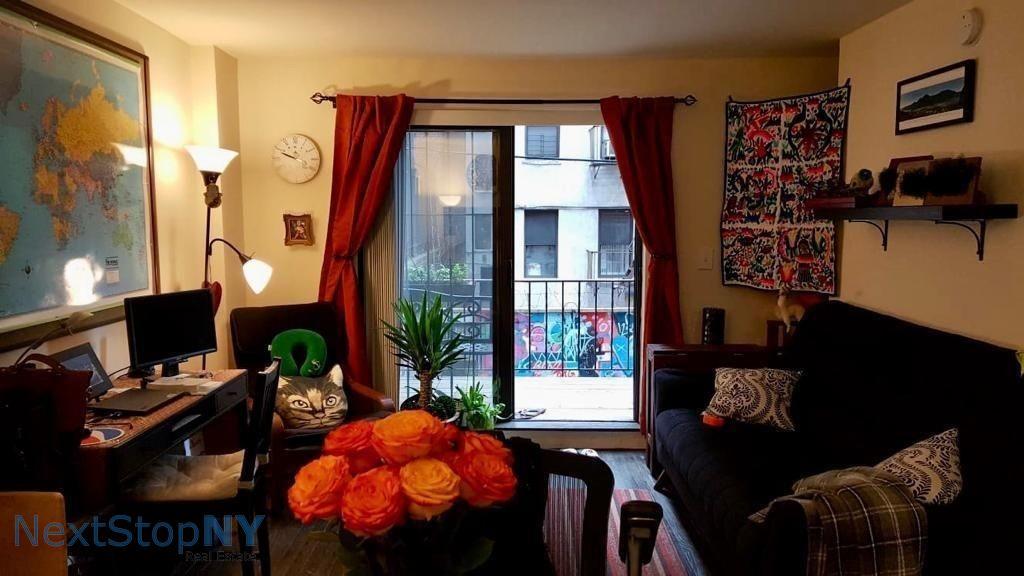 1 Apartment in Yorkville