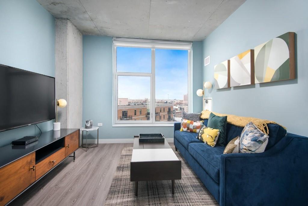 Studio Apartment in River West