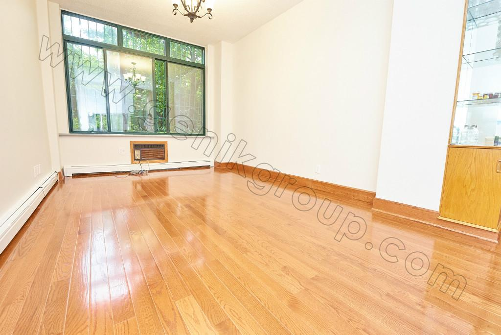 NYC Condos: Little Italy 1 Bedroom Condo for Rent