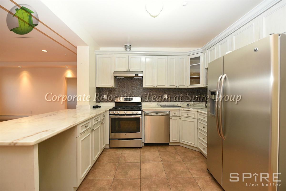 2 Apartment in Astoria