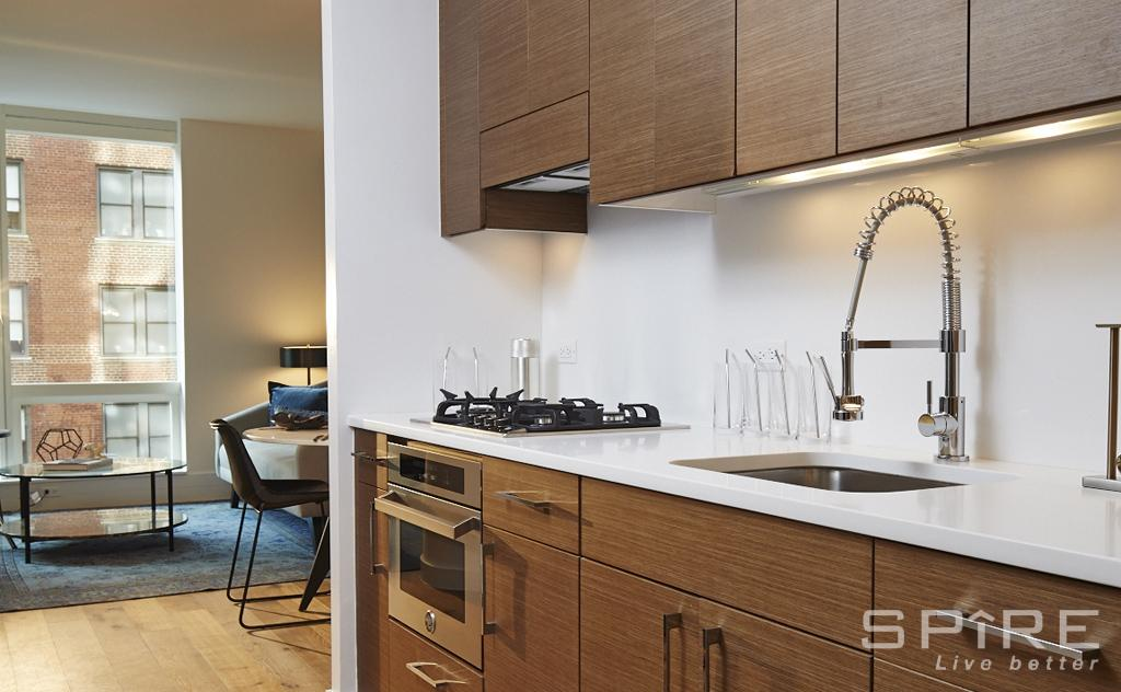Studio Condo in Murray Hill