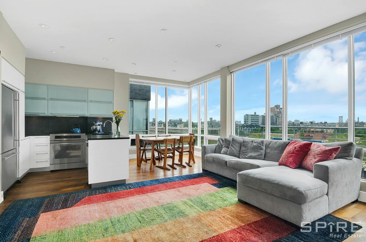 2 Condo in Green Point