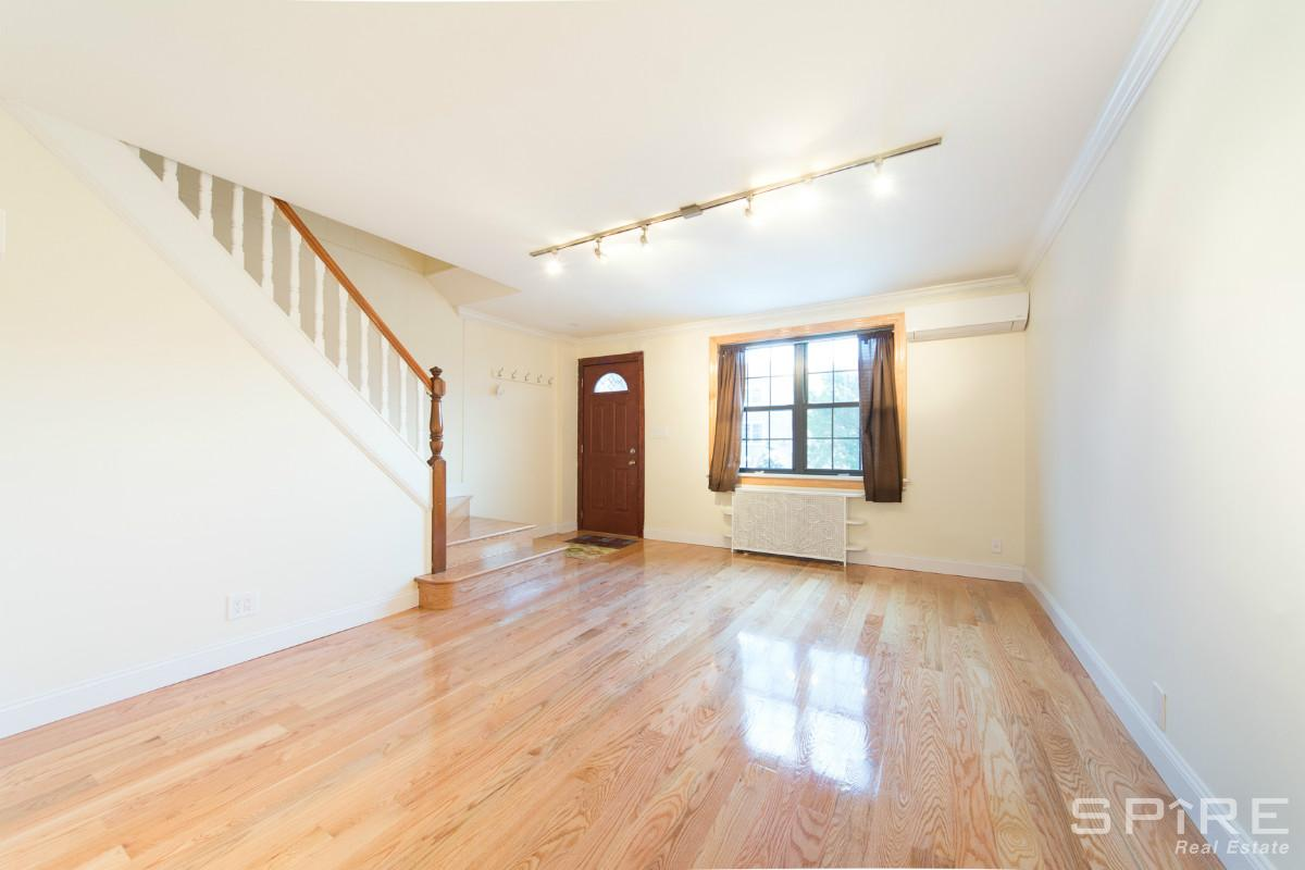 3 Apartment in Astoria