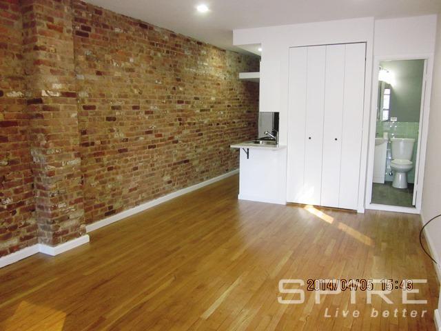 Studio Coop in Upper East Side