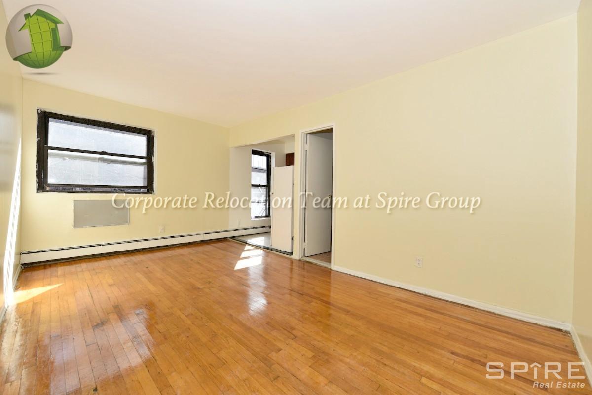 1 Apartment in Astoria