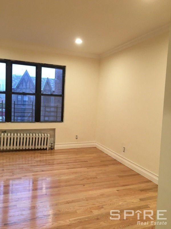 Studio Apartment in Queens