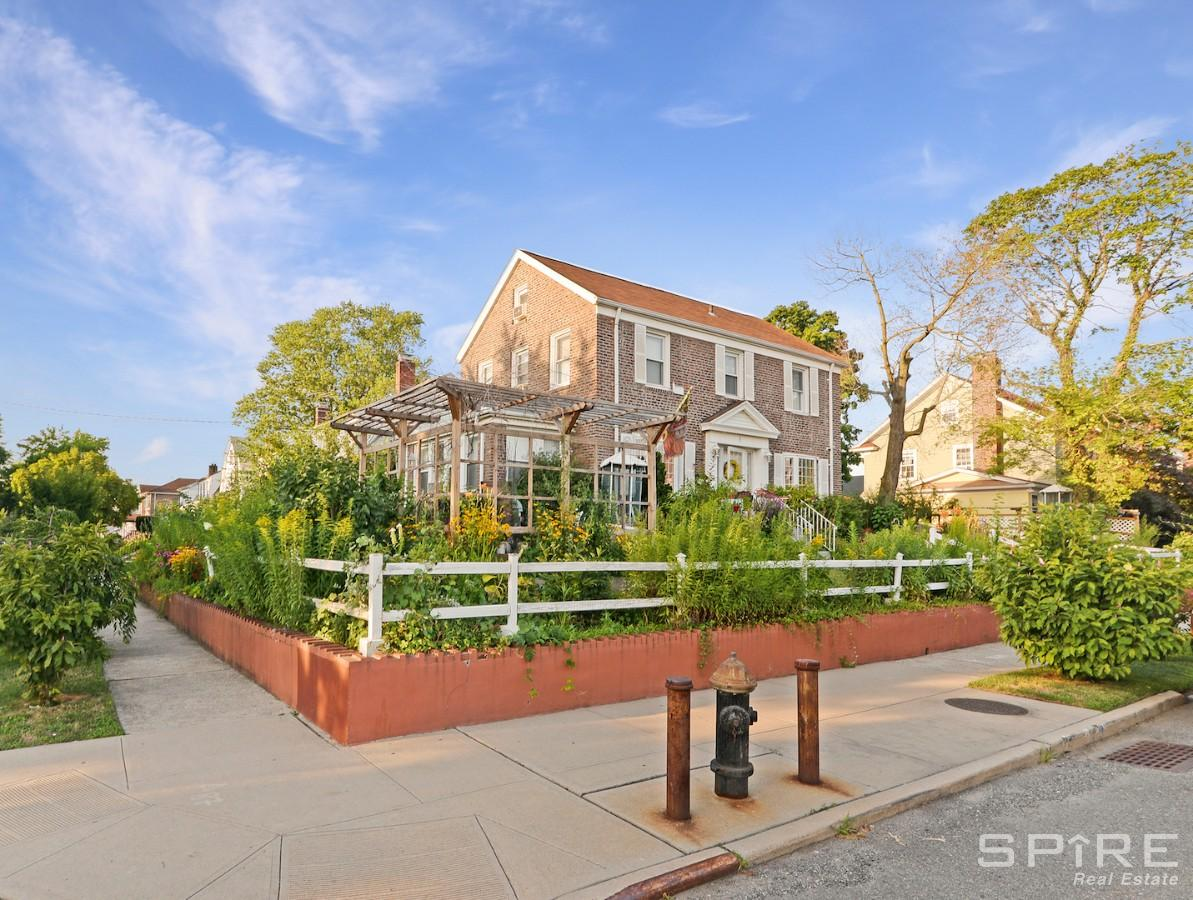 5 House in Flushing