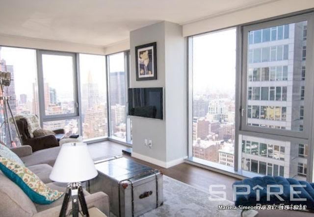 1 Apartment in Midtown South