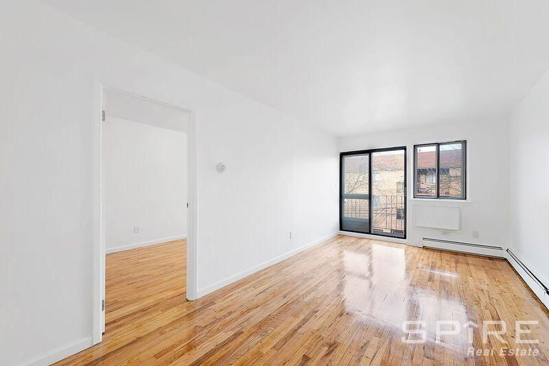 3 Apartment in Queens